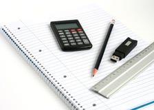 Matita del righello del calcolatore del bastone di memoria del blocchetto per appunti Immagini Stock