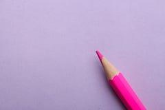 Matita di colore su fondo colorato immagine stock libera da diritti