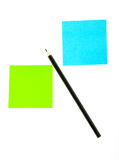 Matita sul documento con il post-it Immagine Stock