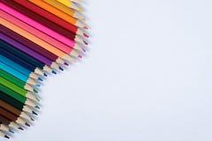Matite colorate isolate su priorità bassa bianca Fotografia Stock Libera da Diritti