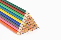 Matite colorate su fondo bianco immagini stock libere da diritti