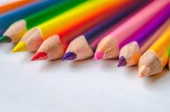 matite colorate su fondo bianco Fotografia Stock Libera da Diritti