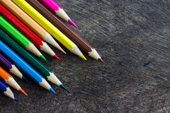 Matite colorate su legno Fotografia Stock Libera da Diritti