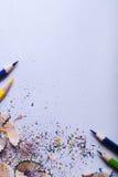Matite colorate su Libro Bianco Immagini Stock Libere da Diritti