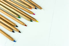 Matite colorate su uno strato bianco Immagine Stock Libera da Diritti
