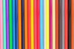 Matite di colore su priorità bassa bianca Fotografie Stock