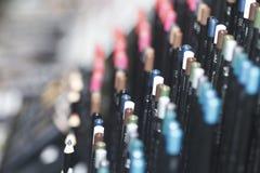 Matite, tavolozza di colore, primo piano dei cosmetici Fotografia Stock Libera da Diritti