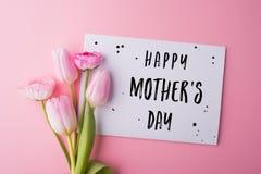 Matka dnia skład Notatka i kwiaty piękny taniec para strzału kobiety pracowniani young Obrazy Stock