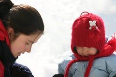 Rodzina w śniegu obrazy royalty free