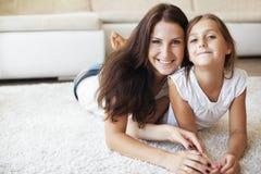 Matka z córką Zdjęcia Royalty Free