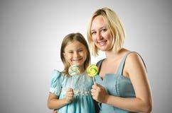 Matka z córką odizolowywającą na bielu Obraz Stock