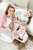 Matka z dziećmi na matka dniu Zdjęcie Royalty Free