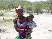Matka z dzieckiem, Północny Namibia Fotografia Royalty Free