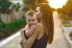 Matka z małym synem Obrazy Royalty Free