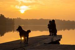 Matki & córki Jeziorny wschód słońca -1 Fotografia Stock