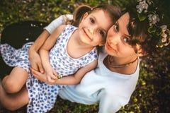 Matki I córki Bawić się Plenerowy Obrazy Royalty Free