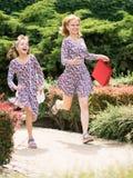 Matki i córki zakupy wycieczka Obrazy Royalty Free