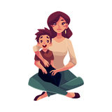 Matki i syna obsiadanie na podłogowym przytuleniu each inny royalty ilustracja