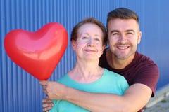 Matki i syna więzi uczuciowej portret obrazy stock