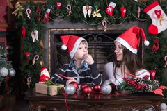 Matki i syna writing list Santa obrazy stock