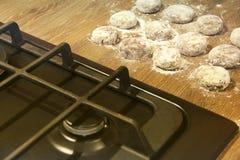 Matlagning i k?ket Mat produkter f?r bageridesignbild royaltyfria bilder