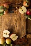 Matlagning och bakning med äpplen Royaltyfri Fotografi