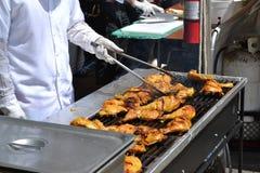 Matlagning på ett galler Fotografering för Bildbyråer