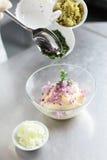 Matlagning på köket fotografering för bildbyråer