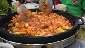 Matlagningkoreanmat stock video