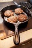 Matlagningkorvsmå pastejer Arkivbild