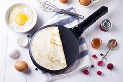 Matlagningpannkakaingredienser för framställning Fotografering för Bildbyråer