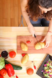 Matlagningvegetarian Fotografering för Bildbyråer