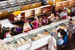 Matmarknad i Gomel Detta är ett exempel av den finnasende matmarknaden Royaltyfria Bilder