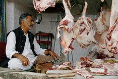 Matmarknad, Indien, kött som sälja i minut, män, försäljning, fårkött, Kashmir arkivfoto