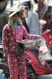 MatmarknadsAsien kvinna av Cambodja Royaltyfri Foto