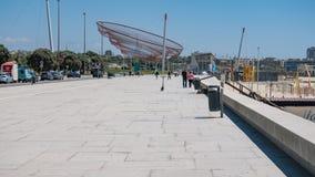 Matosinhos plaży przodu ścieżka w Porto, Portugalia, z Anemona sieci rybackiej zabytkiem obraz royalty free