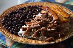 Maträtt för Criollo för Pabellà ³ n traditionell venezuelan royaltyfria bilder
