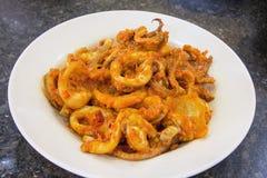 Maträtt för Nyonya Sambal ChiliCalamari Arkivbild