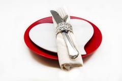 Maträtt med servetten och bestick royaltyfri foto