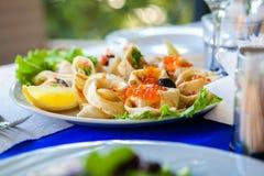 Maträtten i restaurangen Royaltyfri Fotografi