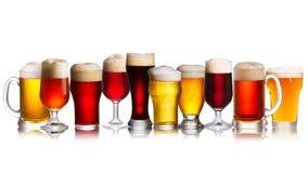 Matrice di varie specie delle birre Selezione di vari tipi di birre, birra inglese Immagine Stock