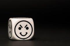 Matrices simples d'émoticône avec le croquis heureux d'expression photos stock