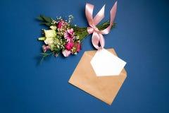 Matrimonio di nozze o composizione in giorno di biglietti di S. Valentino immagine stock