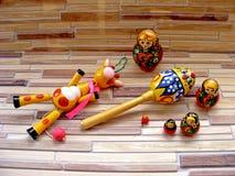 Matrioshka lale, dziecko zabawki Zdjęcia Royalty Free