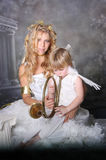 Matriz angélico e filho fotos de stock