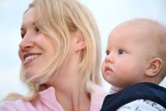 Matriz com o bebê foto de stock royalty free