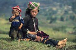 Matriz e criança de Hmong da flor Fotografia de Stock