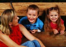 Matriz e crianças fora Imagens de Stock Royalty Free