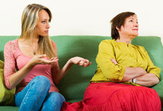 Matriz e filha após a discussão Fotografia de Stock Royalty Free