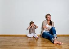 A matriz e a filha estão na discussão Fotos de Stock Royalty Free